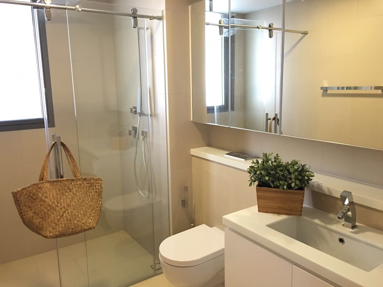 Balestier Deluxe 2 bathroom